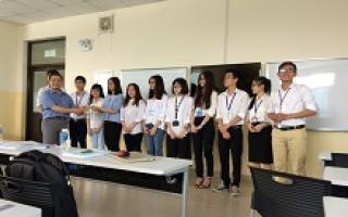 Presentations of High quality students in FIATA Class